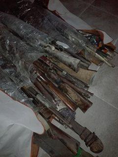 متحف كامل جميع الاثار البرتغاليه والرومانيا والخليج العربي تماثيل اسلحه