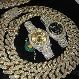 Quality jewelries available, icy,diamond,gold
