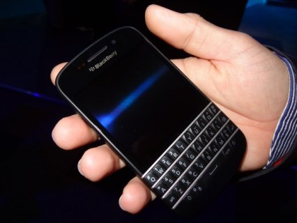 Brand new: Blackberry Porsche BB Chat  Pin: (230036A6)