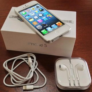 F/S: Apple iPhone 5 IOS 64GB & Blackberry Bold Z10,Porsche P\'998