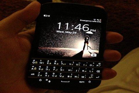 New Apple iPhone 5, Samsung Galaxy s4, Blackberry Q10
