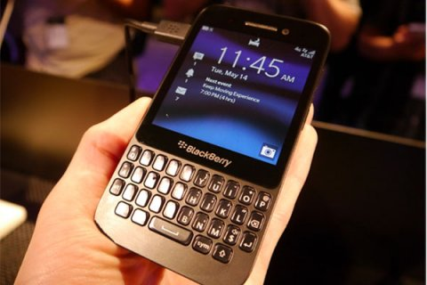 W.T.S / ORIGINAL BLACKBERRY PORSCHE P9981,Q5,Q10