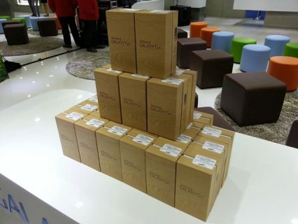 Wholesale Samsung s4,iPhone 5-4s, Blackberry Z10-Q10,