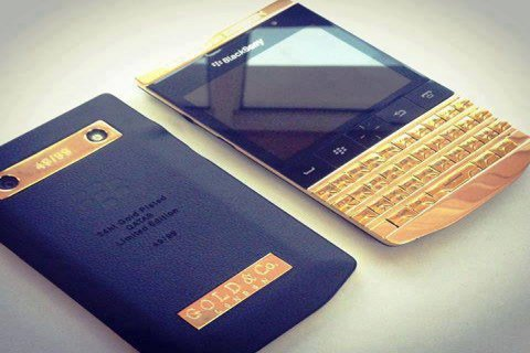 Blackberry Porsche P\'9981 Gold