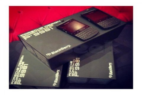 للبيع: Blackberry porsche design (1,800AED) BlackBerry Q10 1,500