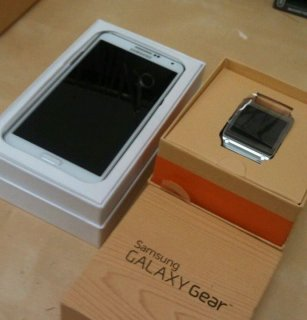 SAMSUNG GALAXY NOTE 3 N9005 + GEAR IN BOX