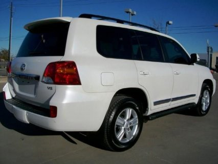 2013 Toyota Land Cruiser, V8 SUV,