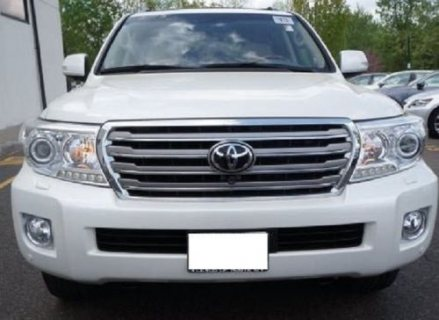 URGENT SALE TOYOTA LAND CRUISER 2013