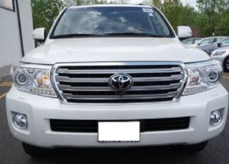 2013 TOYOTA LAND CRUISER V8 GXR