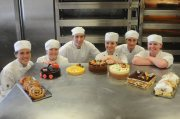 شركة النخبة المغربية توفر معلمين حلويات بجودة عالية